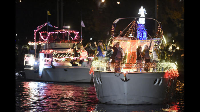 sf-winterfest-boat-parade-pictures-20141210-054
