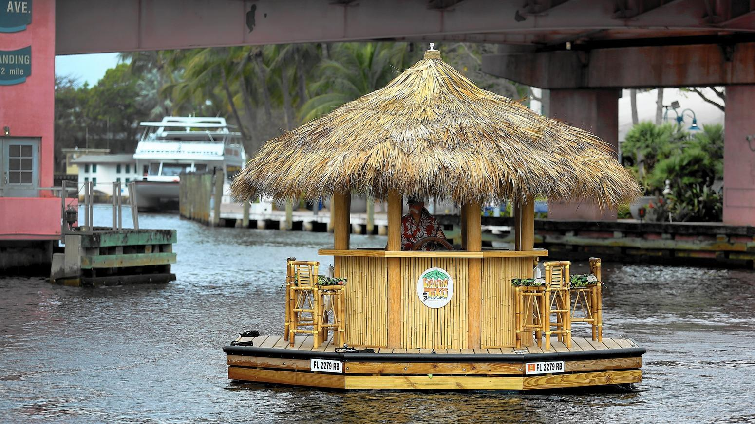 fl-2457886-fl-tiki-hut-party-boat01-ng-jpg-20160401