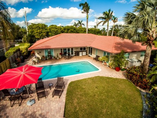 3590 Bayview Dr, Fort Lauderdale FL