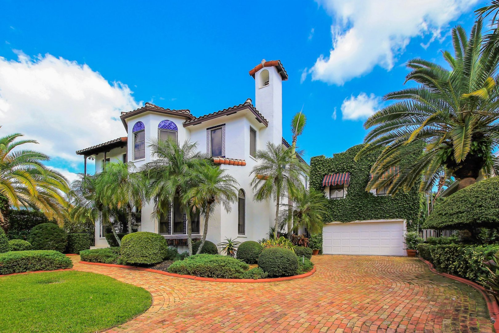 500 Coconut Isle Dr Luxury Real Estate