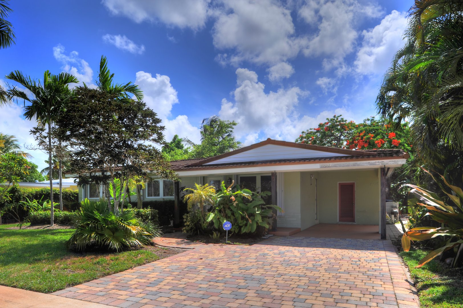 2907 NW 9th Ter Luxury Real Estate