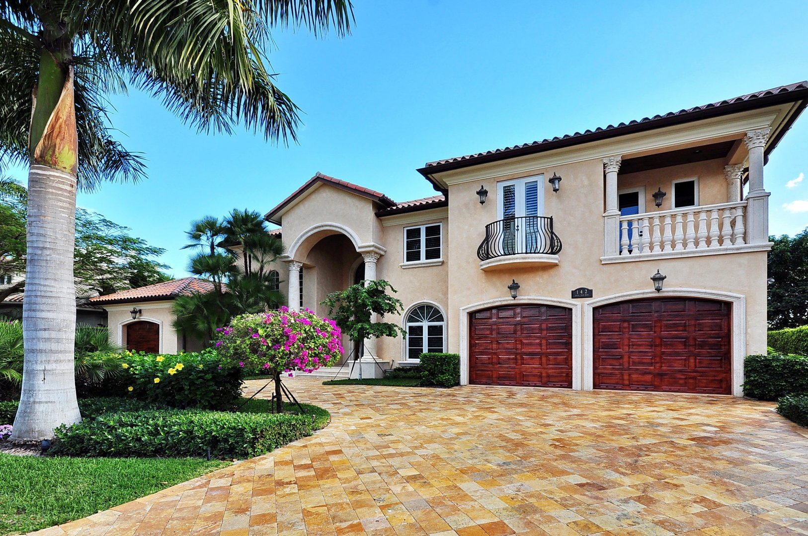 142 Royal Palm Dr Luxury Real Estate
