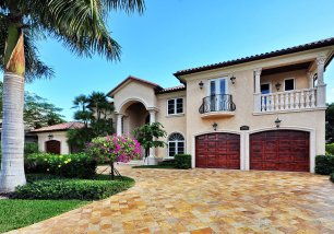 142 Royal Palm Dr
