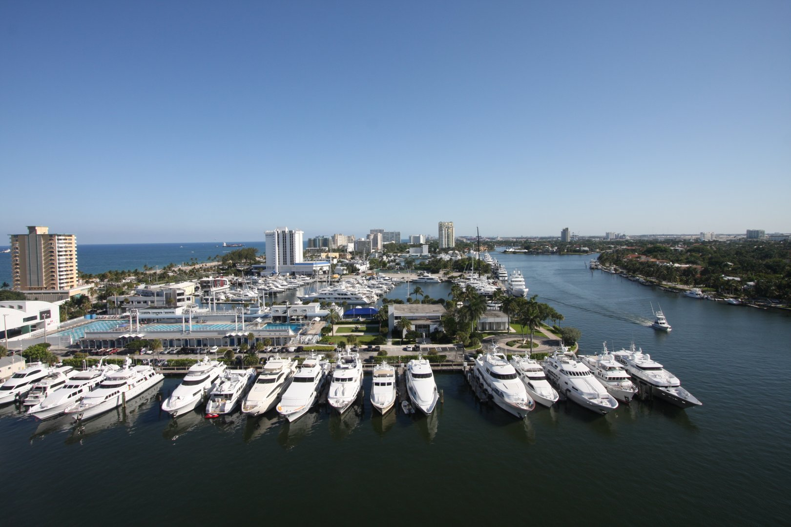 1 Las Olas Cir #1502, Unit #1502 Luxury Real Estate
