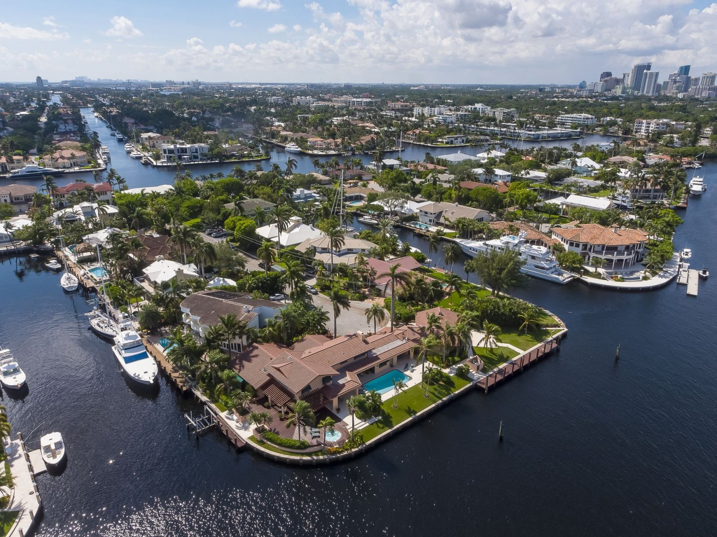 640 3rd Key Dr Luxury Real Estate