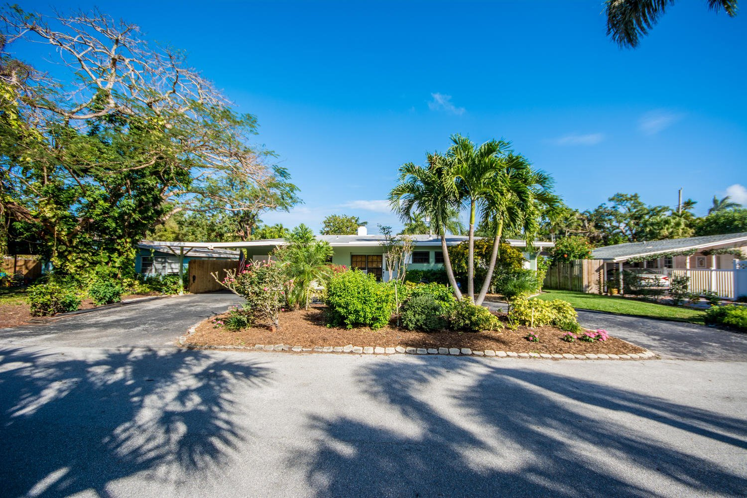 1210 SE 13th Ter Luxury Real Estate