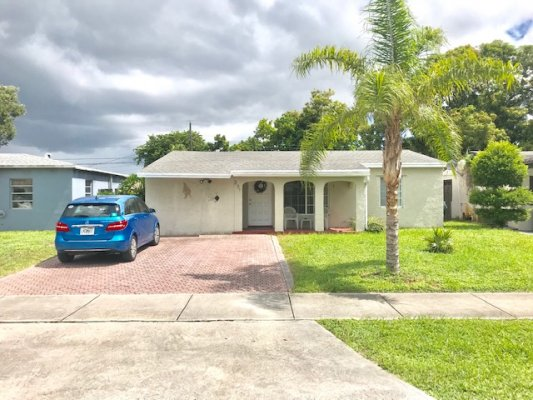 231 NW 53rd St, Oakland Park FL